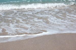 海を思い浮かべる